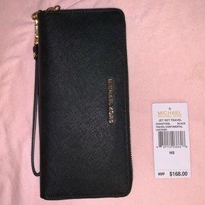Michael Kors Large Black Jet Set Travel Wallet